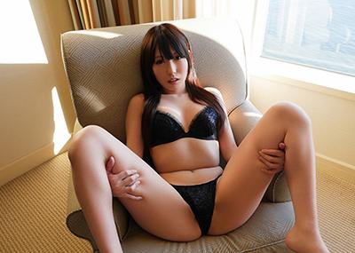 【M字開脚エロ画像】女子に興味があるなら当然女子の股間は見たいよな!?wwww