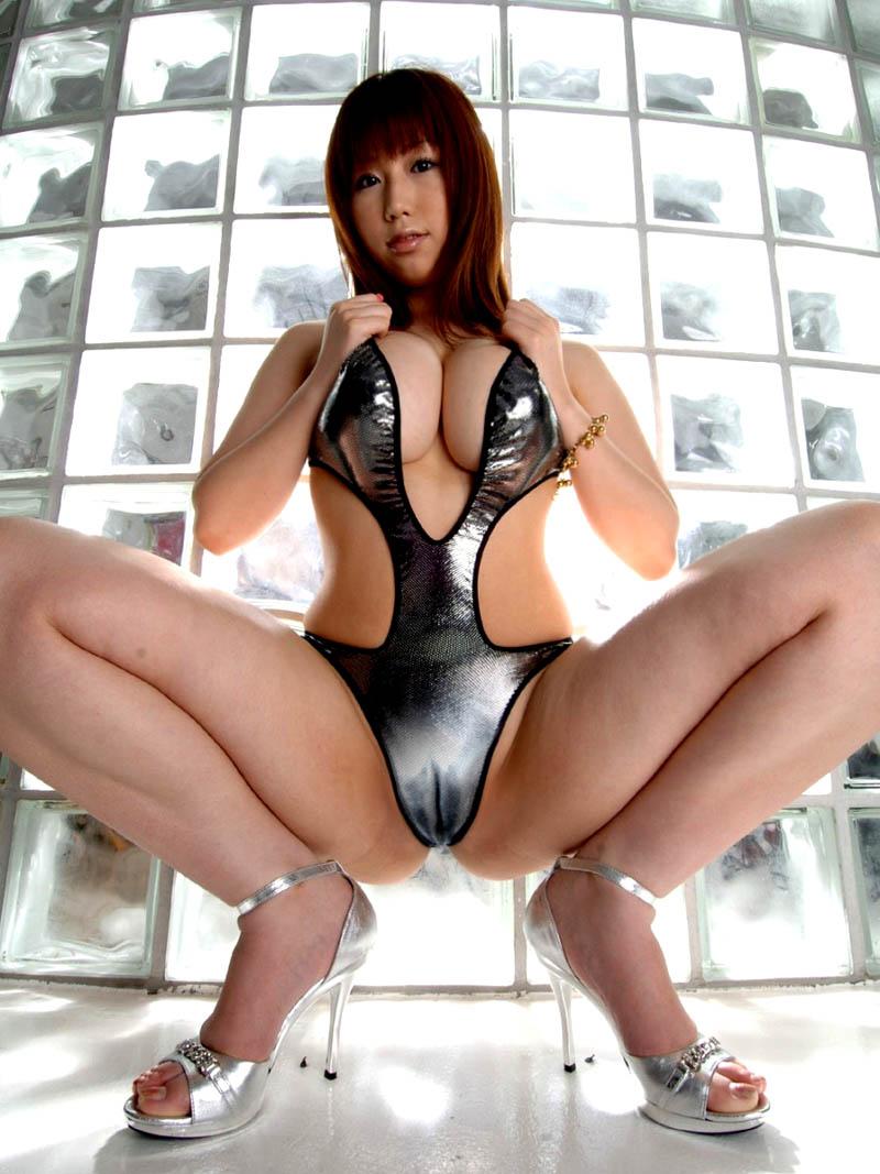 【M字開脚エロ画像】女子に興味があるなら当然女子の股間は見たいよな!?wwww 81