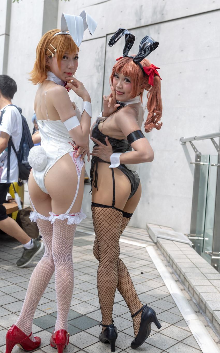 【コミケエロ画像】コミケに参加しいる女子コスプレイヤーって露出狂なのか!? 25