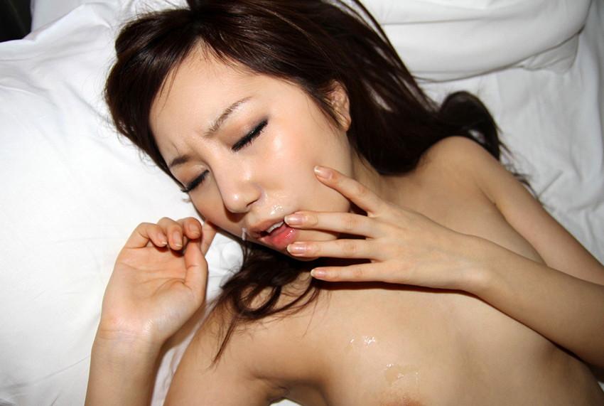 【顔射エロ画像】女の子の顔面に男の欲望の汁をぶっかけたったwwwww 47