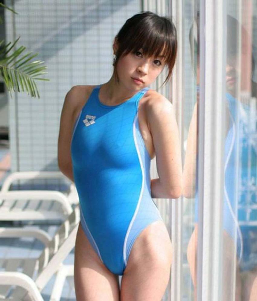 【競泳水着エロ画像】ガチでエロいぞこの水着!これで競泳用だと言うのだから驚き! 28