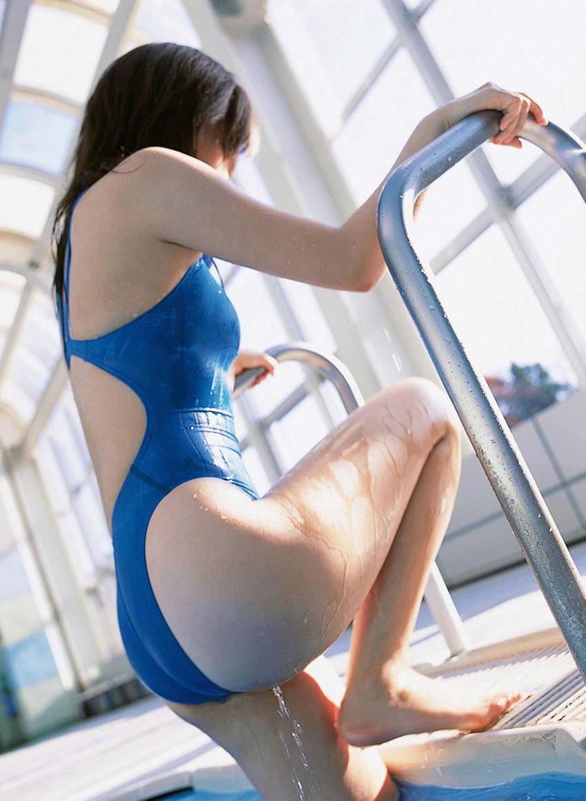 【競泳水着エロ画像】ガチでエロいぞこの水着!これで競泳用だと言うのだから驚き! 39