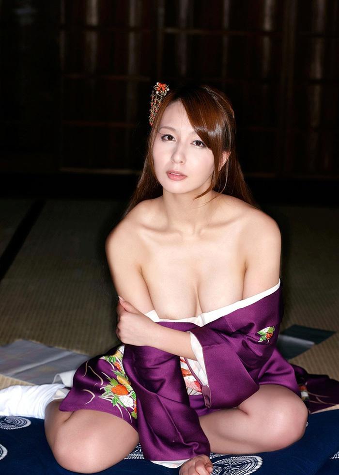 【和服エロ画像】和服姿の女の子のエロスってめちゃめちゃ興奮するよな!? 13