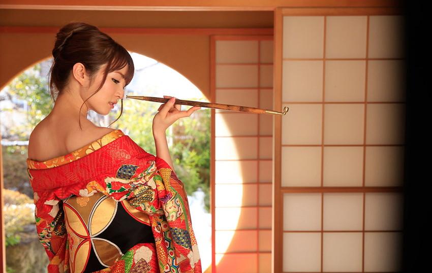 【和服エロ画像】和服姿の女の子のエロスってめちゃめちゃ興奮するよな!? 54