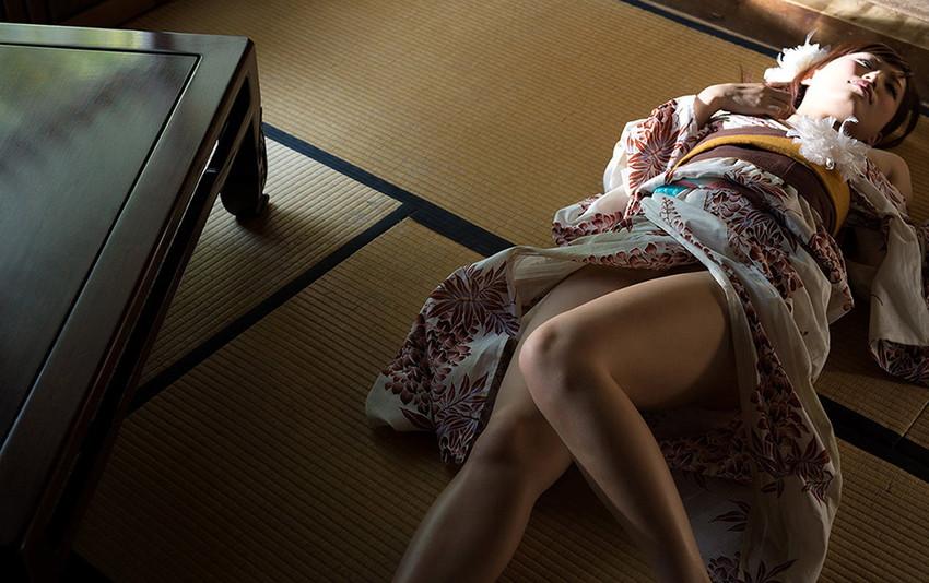 【和服エロ画像】和服姿の女の子のエロスってめちゃめちゃ興奮するよな!? 78