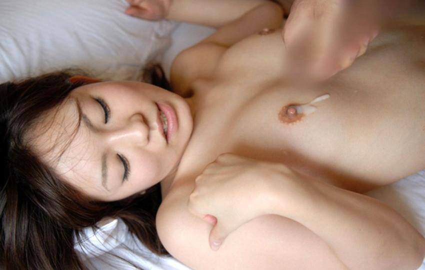 【射精エロ画像】セックス事後?体に男の濃厚な欲望汁をぶっかけられた女たち! 13