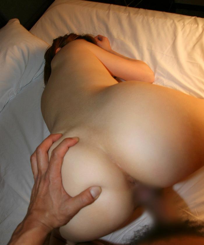 【後背位エロ画像】お尻フェチが好むとされる後背位でセックスする男女! 30