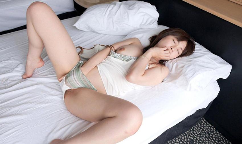【指オナニーエロ画像】溜まった性欲はオナニーで発散するオナニー女子! 40
