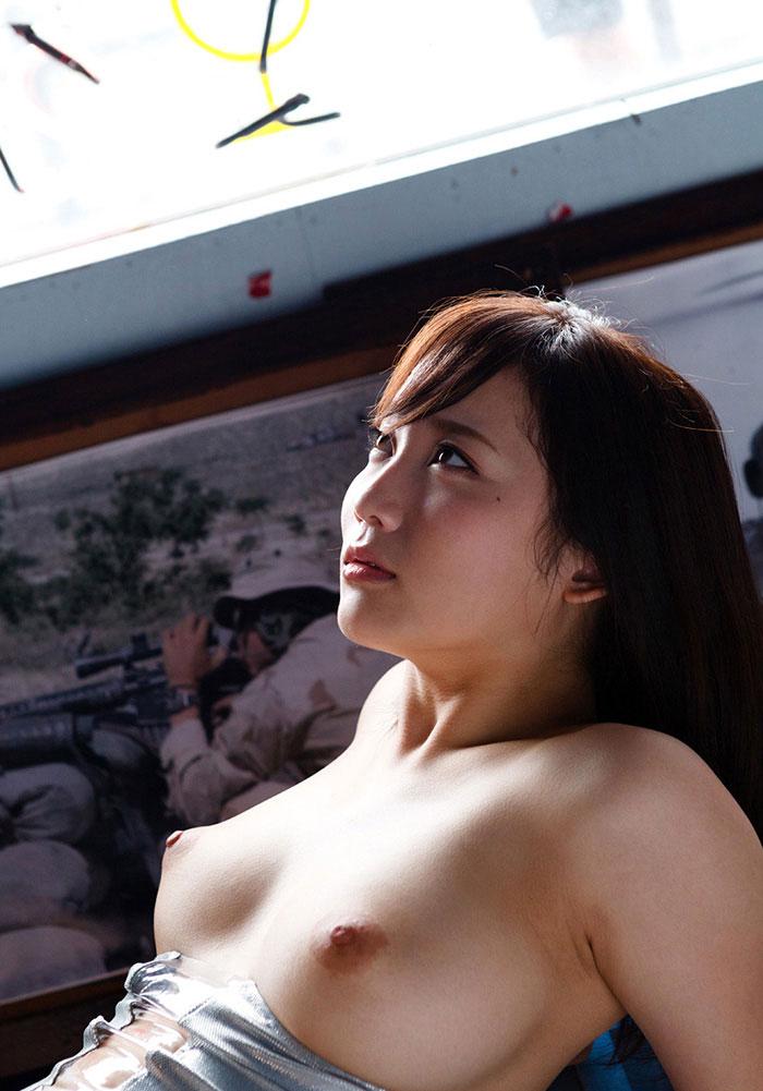【美乳エロ画像】美しいおっぱいは正義!美乳の女の子のエロ画像集めたった! 05