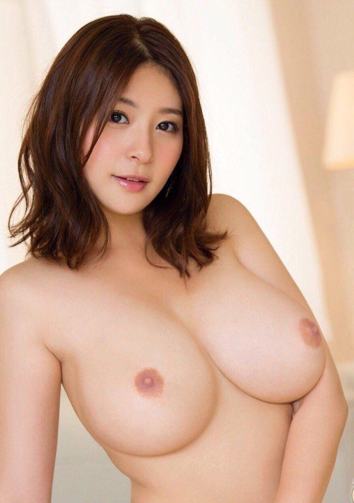 【美乳エロ画像】美しいおっぱいは正義!美乳の女の子のエロ画像集めたった! 20