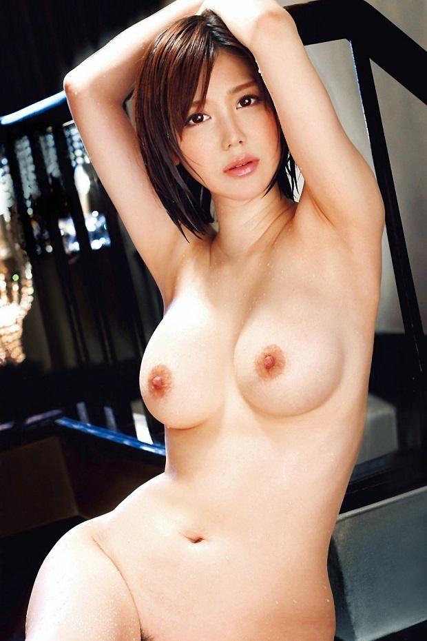 【美乳エロ画像】美しいおっぱいは正義!美乳の女の子のエロ画像集めたった! 25