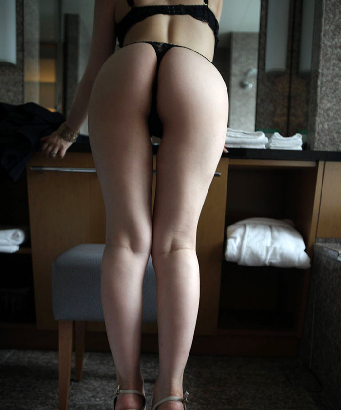 【Tバックエロ画像】美尻の女の子のTバック姿の画像集めたった!wwwwww 31