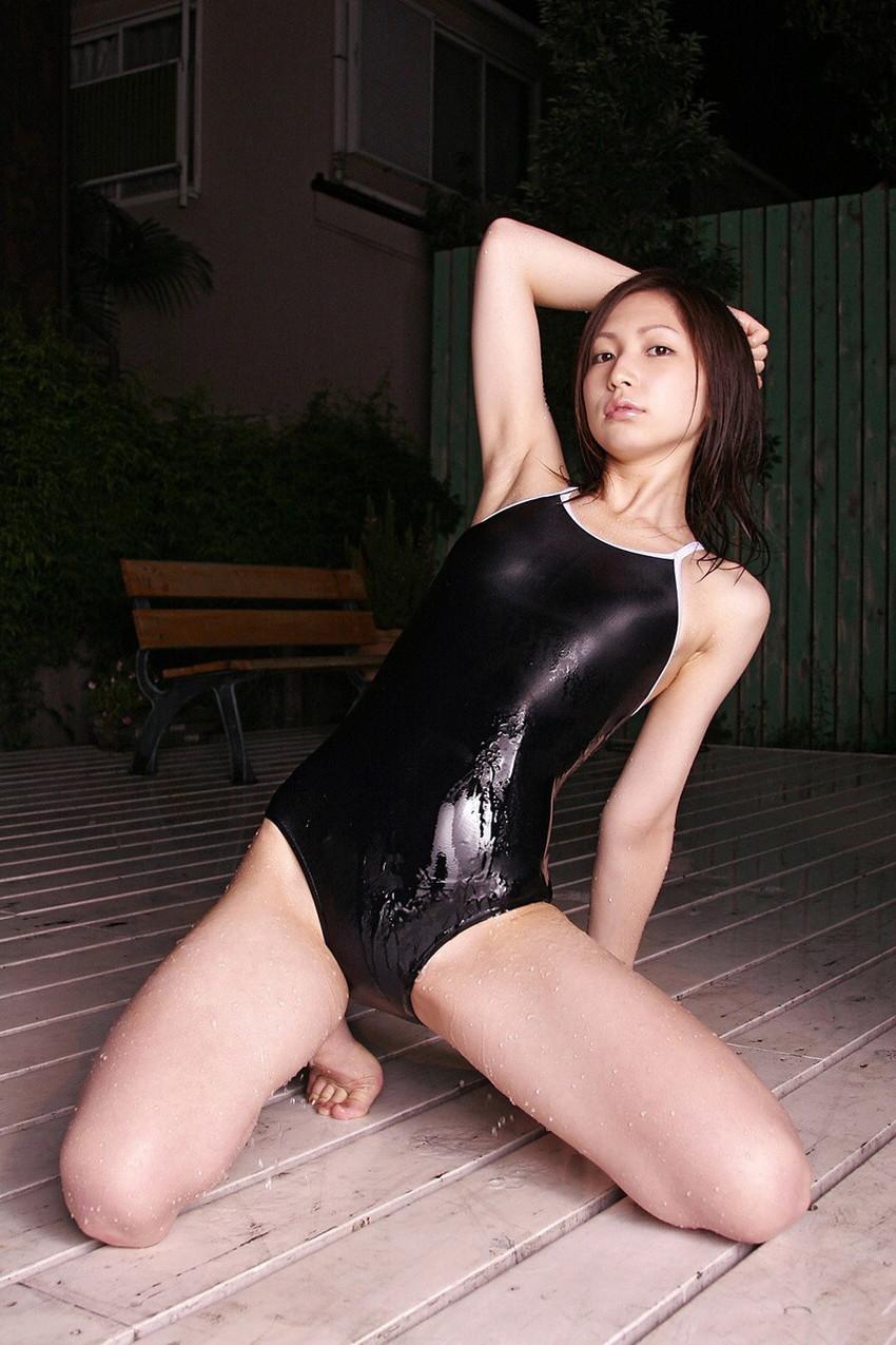 【スクール水着エロ画像】時期はずれでも見たい!スクール水着のマニアック女子! 03