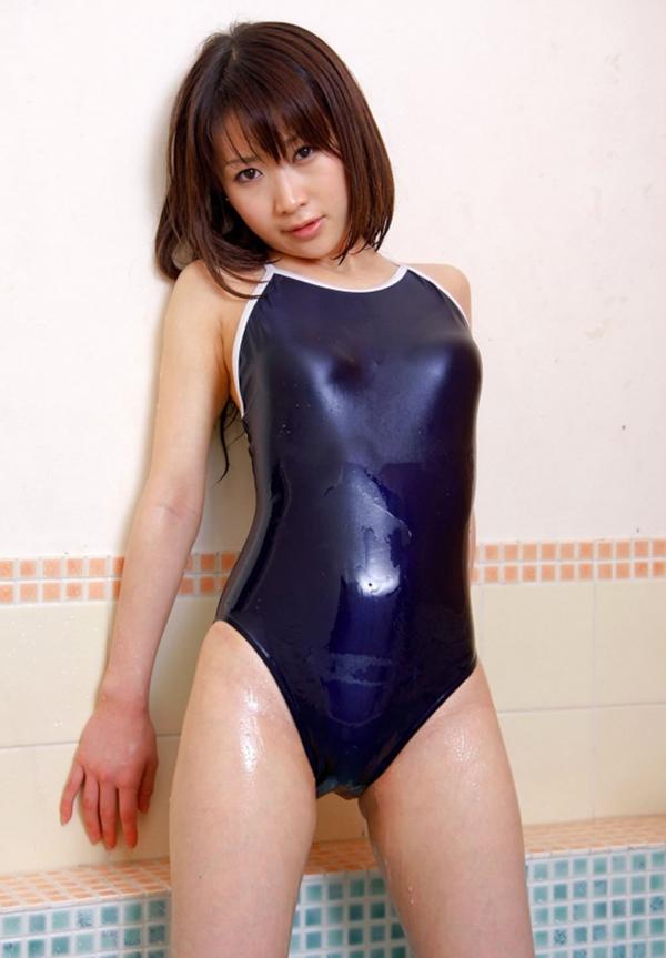 【スクール水着エロ画像】時期はずれでも見たい!スクール水着のマニアック女子! 15