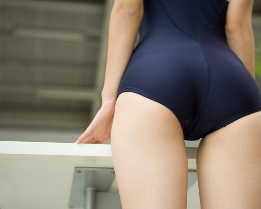 【スクール水着エロ画像】時期はずれでも見たい!スクール水着のマニアック女子! 17