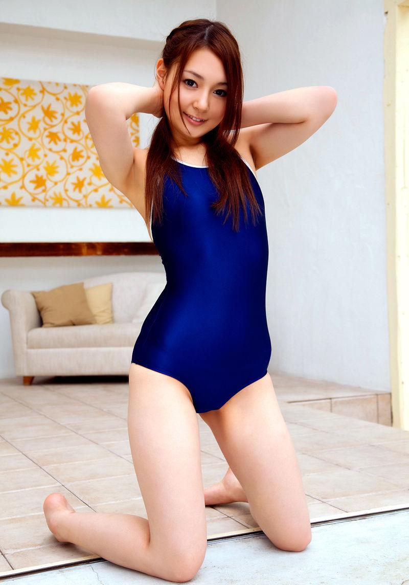 【スクール水着エロ画像】時期はずれでも見たい!スクール水着のマニアック女子! 35