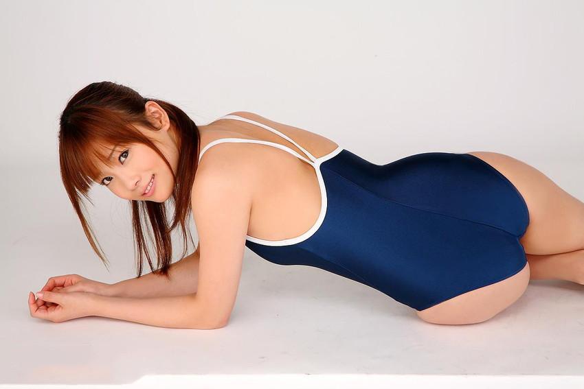 【スクール水着エロ画像】時期はずれでも見たい!スクール水着のマニアック女子! 37