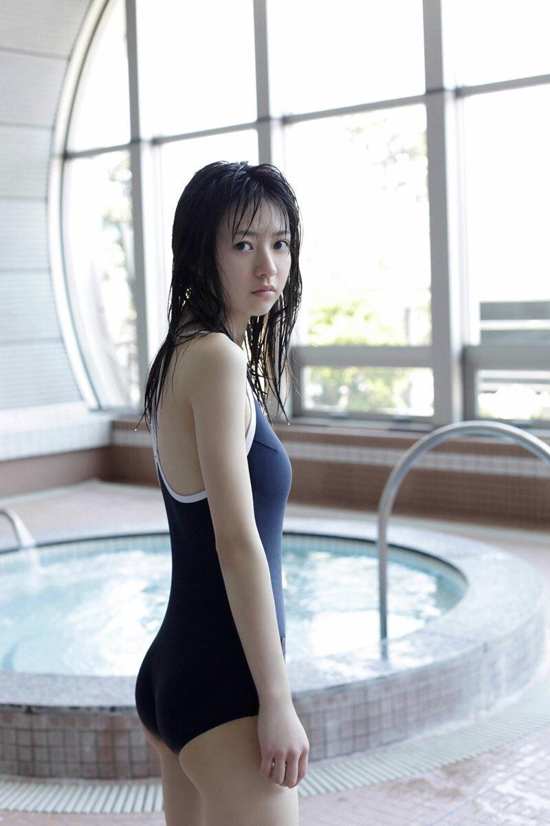 【スクール水着エロ画像】時期はずれでも見たい!スクール水着のマニアック女子! 63