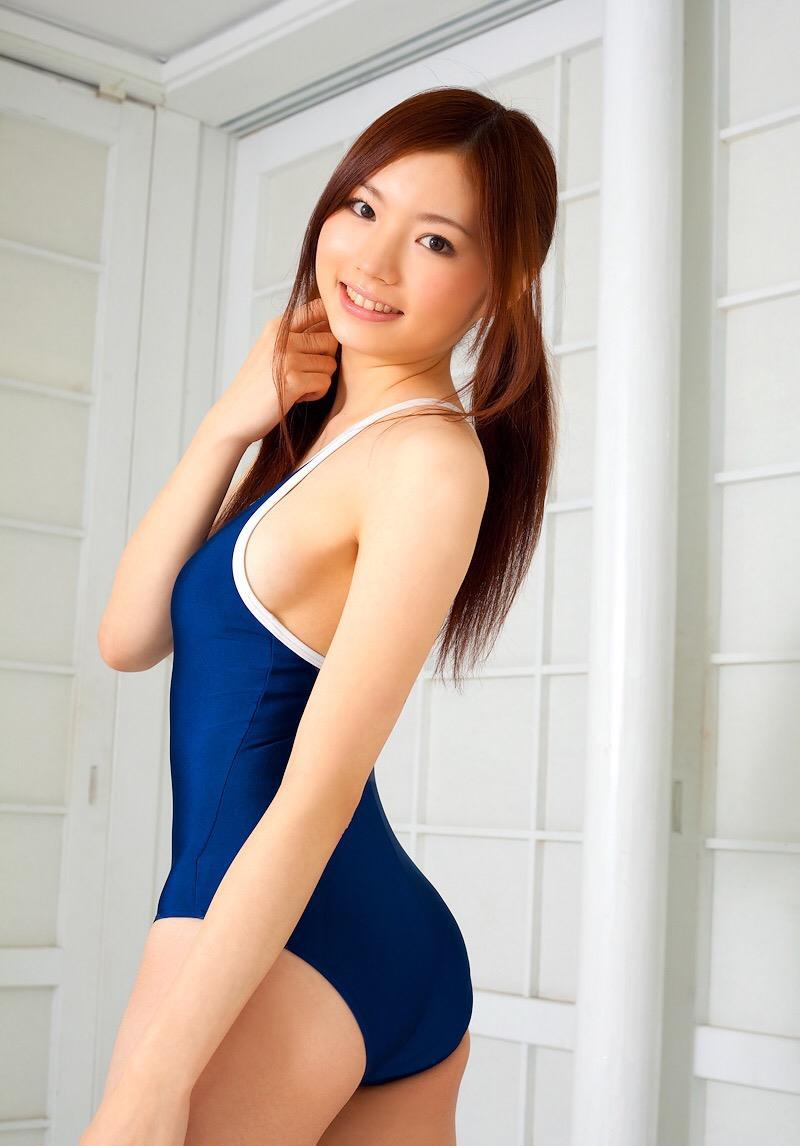 【スクール水着エロ画像】時期はずれでも見たい!スクール水着のマニアック女子! 71