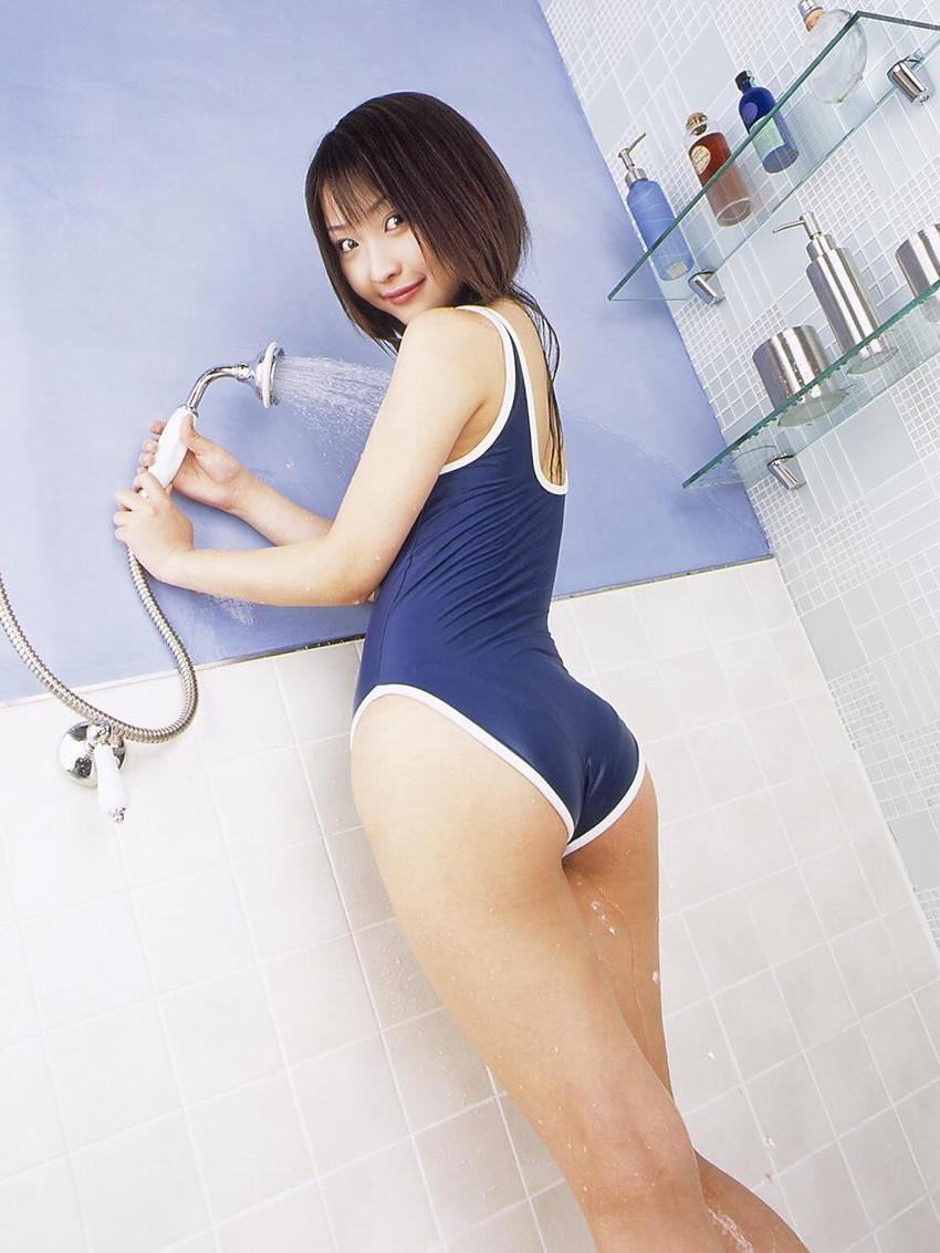 【スクール水着エロ画像】時期はずれでも見たい!スクール水着のマニアック女子! 81