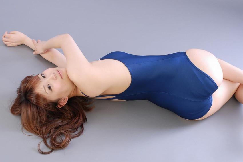 【スクール水着エロ画像】時期はずれでも見たい!スクール水着のマニアック女子! 83