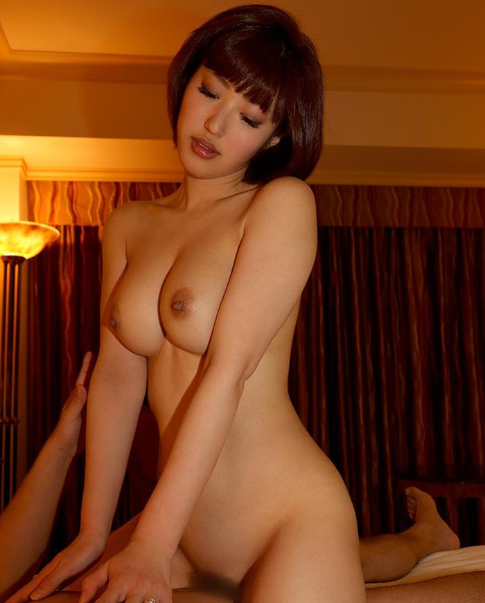 【騎乗位エロ画像】騎乗位という体位はSでもMでも楽しめる優秀なセックスの体位!? 23