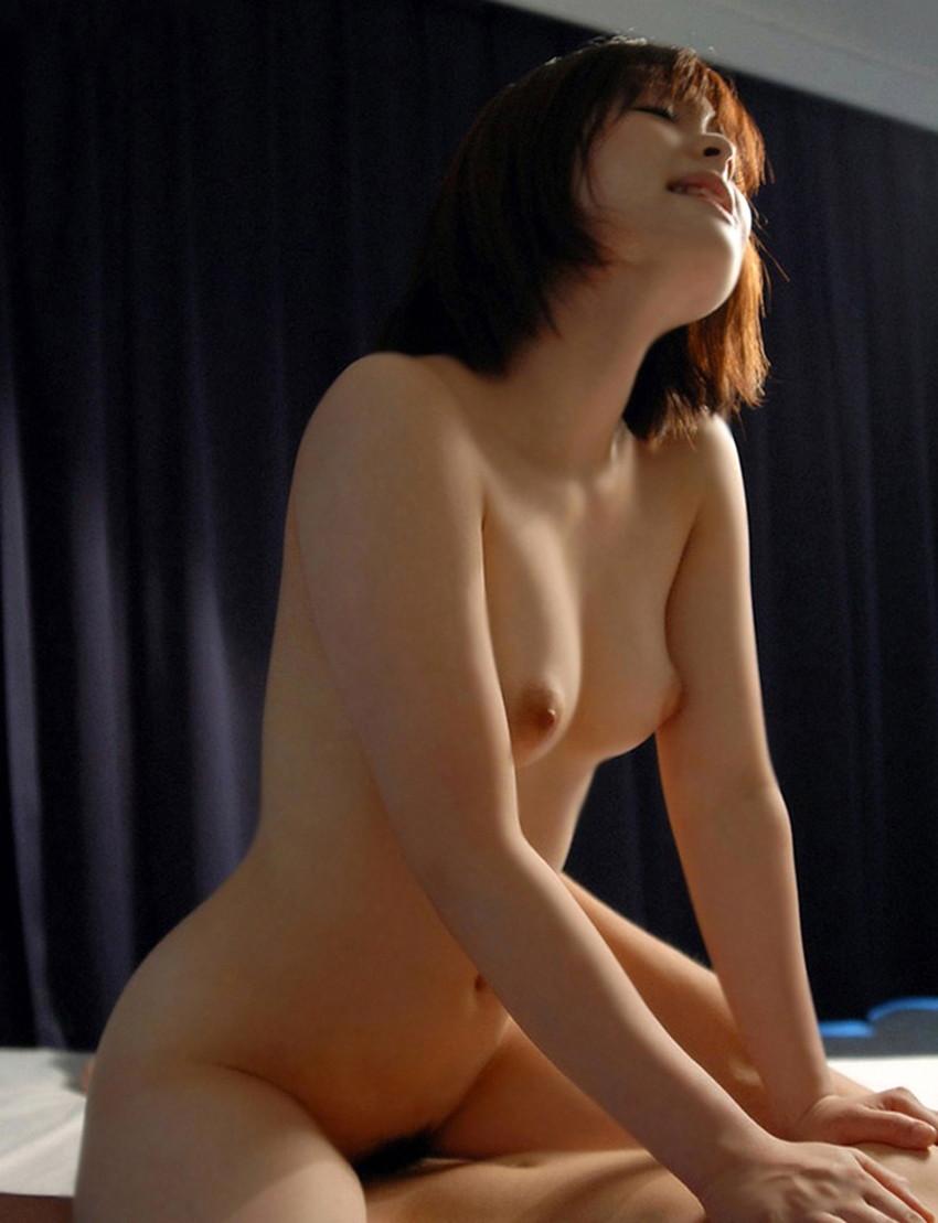 【騎乗位エロ画像】騎乗位という体位はSでもMでも楽しめる優秀なセックスの体位!? 83