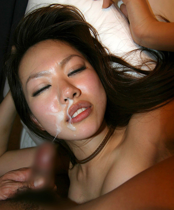 【顔射エロ画像】女の子の顔面がザーメンにまみれた卑猥な画像で抜く!? 12