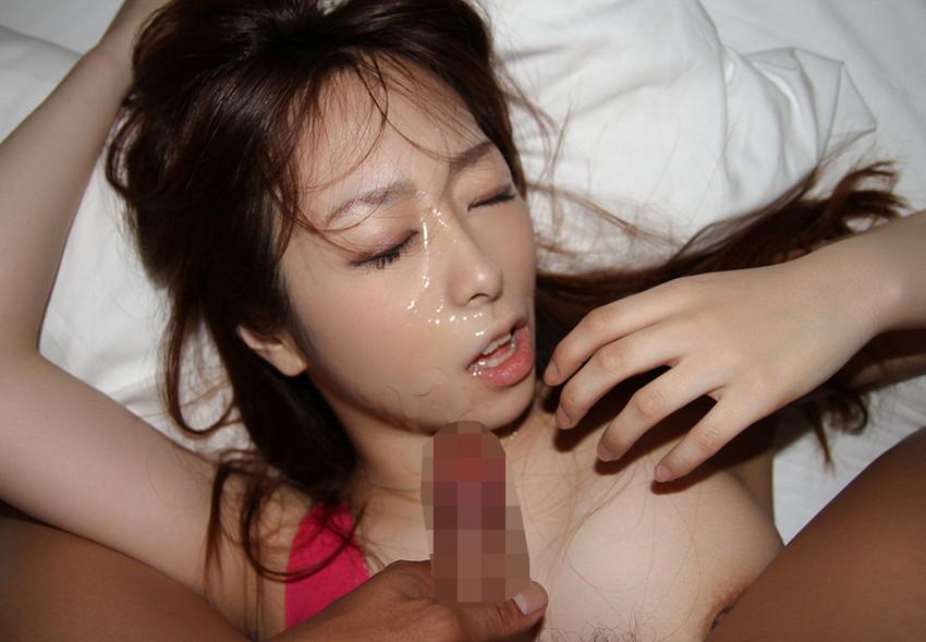 【顔射エロ画像】女の子の顔面がザーメンにまみれた卑猥な画像で抜く!? 34