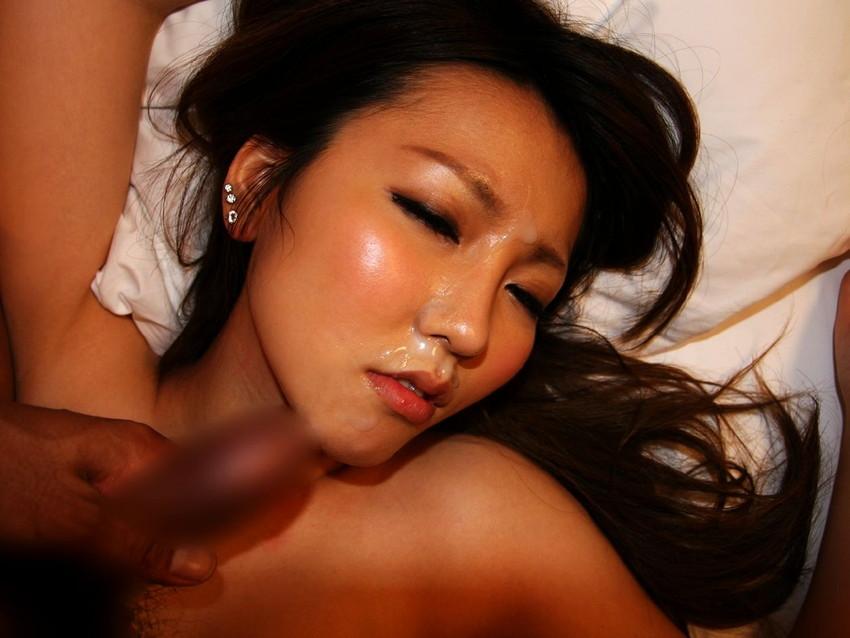【顔射エロ画像】女の子の顔面がザーメンにまみれた卑猥な画像で抜く!? 77