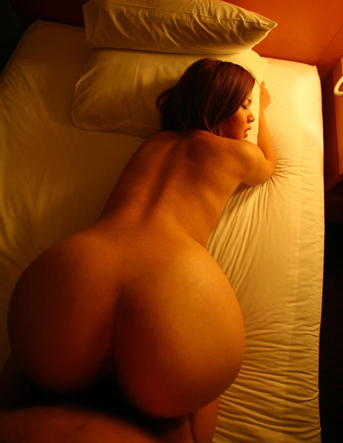 【バックエロ画像】お尻フェチにオススメの女の子の尻を眺めてハメられるセックスの体位 73