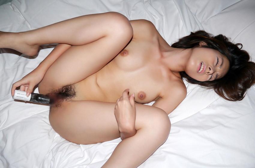 【バイブオナニーエロ画像】バイブを膣内に挿入してズボズボ!卑猥ずきるバイブオナニー 16