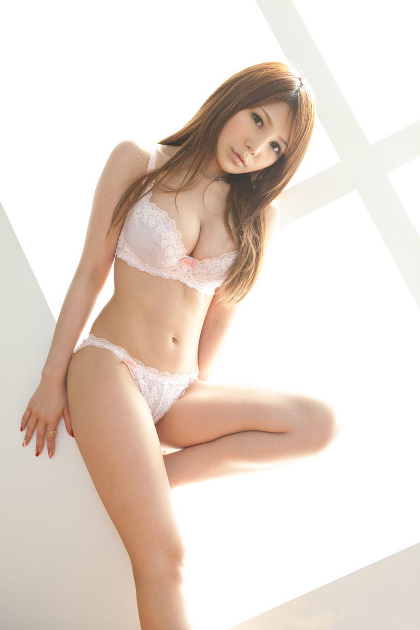 【ランジェリーエロ画像】下着姿の女の子たち!女性下着ってめっちゃ華やかでエロい! 43