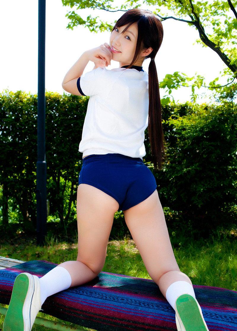 【体操服エロ画像】ワイ、学生時代の体育の時に女子のこんな格好に勃起してたなww 30