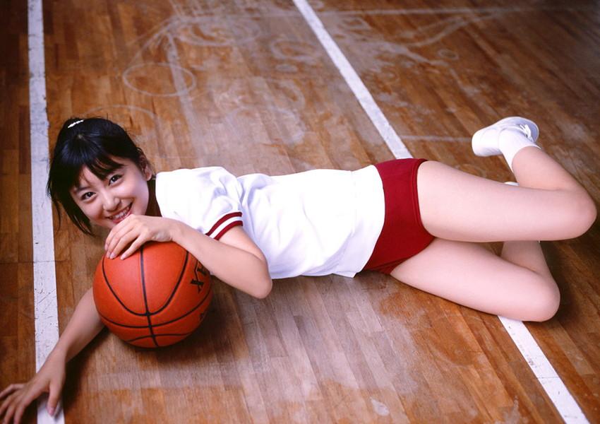 【体操服エロ画像】ワイ、学生時代の体育の時に女子のこんな格好に勃起してたなww 36
