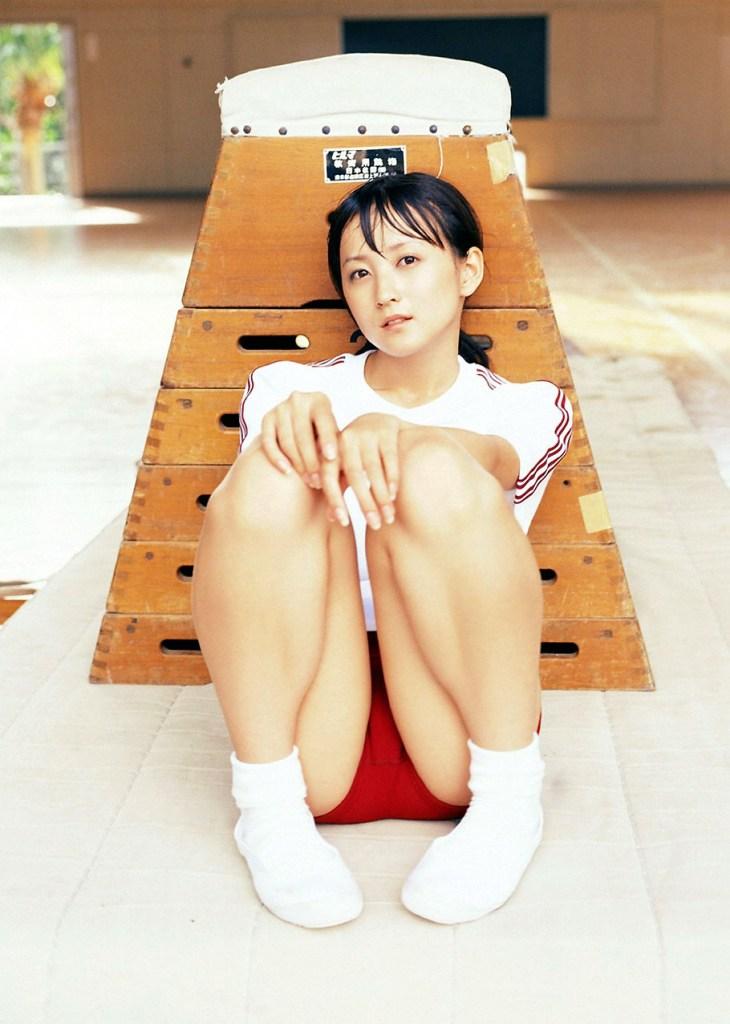 【体操服エロ画像】ワイ、学生時代の体育の時に女子のこんな格好に勃起してたなww 49