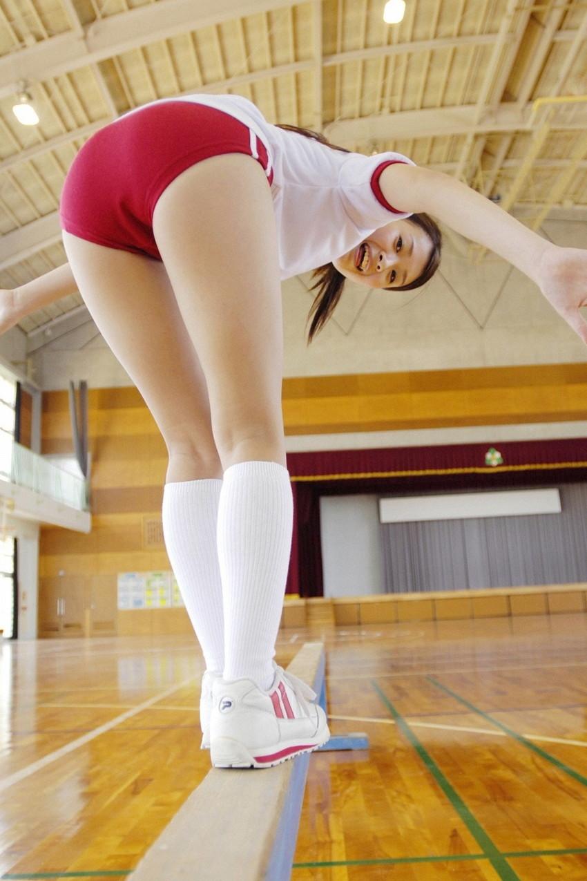 【体操服エロ画像】ワイ、学生時代の体育の時に女子のこんな格好に勃起してたなww 53