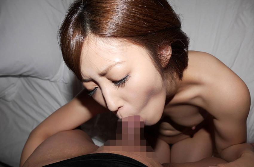 【全裸フェラチオエロ画像】全裸でチンポを舐める姿エロ過ぎて勃起がおさまらん! 20