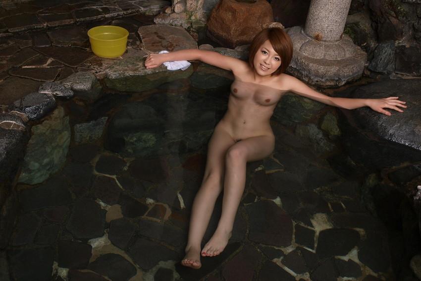 【入浴エロ画像】入浴中の女の子の画像集めてみたら、当然だけど全裸だった件w 20