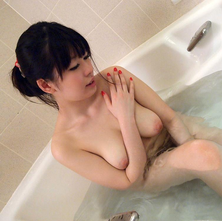 【入浴エロ画像】入浴中の女の子の画像集めてみたら、当然だけど全裸だった件w 58