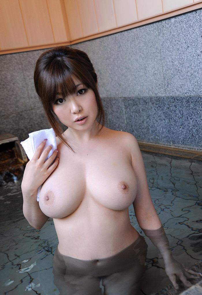 【入浴エロ画像】入浴中の女の子の画像集めてみたら、当然だけど全裸だった件w 73