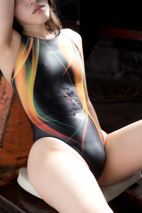 【競泳水着エロ画像】競泳用の水着なのにやたらエロい感じがする競泳水着! 32