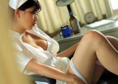 【ナースエロ画像】ワイ、こんな可愛い白衣の天使とイチャラブしたいと切に思う。