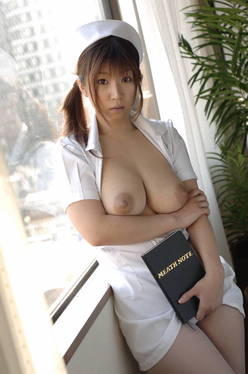 【ナースエロ画像】ワイ、こんな可愛い白衣の天使とイチャラブしたいと切に思う。 06