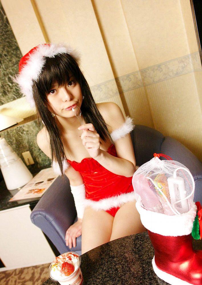 【サンタコスプレエロ画像】こんなエッチなサンタ!クリスマスイブに降りて来い! 30
