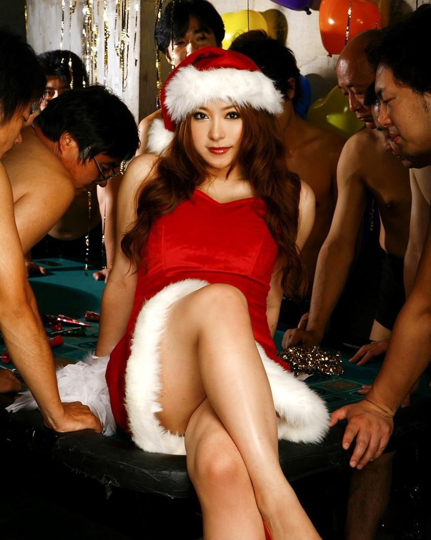 【サンタコスプレエロ画像】こんなエッチなサンタ!クリスマスイブに降りて来い! 61