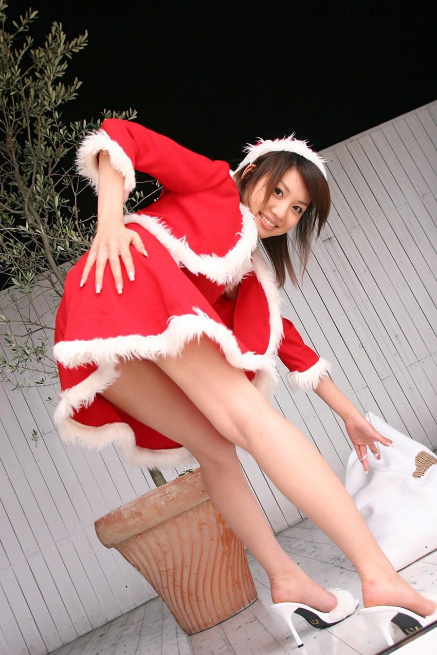 【サンタコスプレエロ画像】こんなエッチなサンタ!クリスマスイブに降りて来い! 70