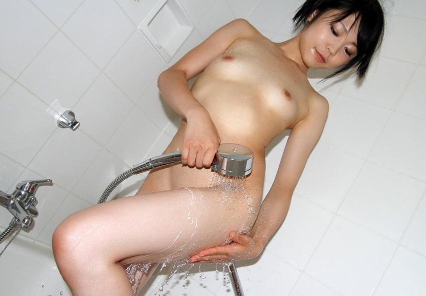 【シャワーエロ画像】女の子が日常で全裸になる瞬間!シャワーシーン! 40