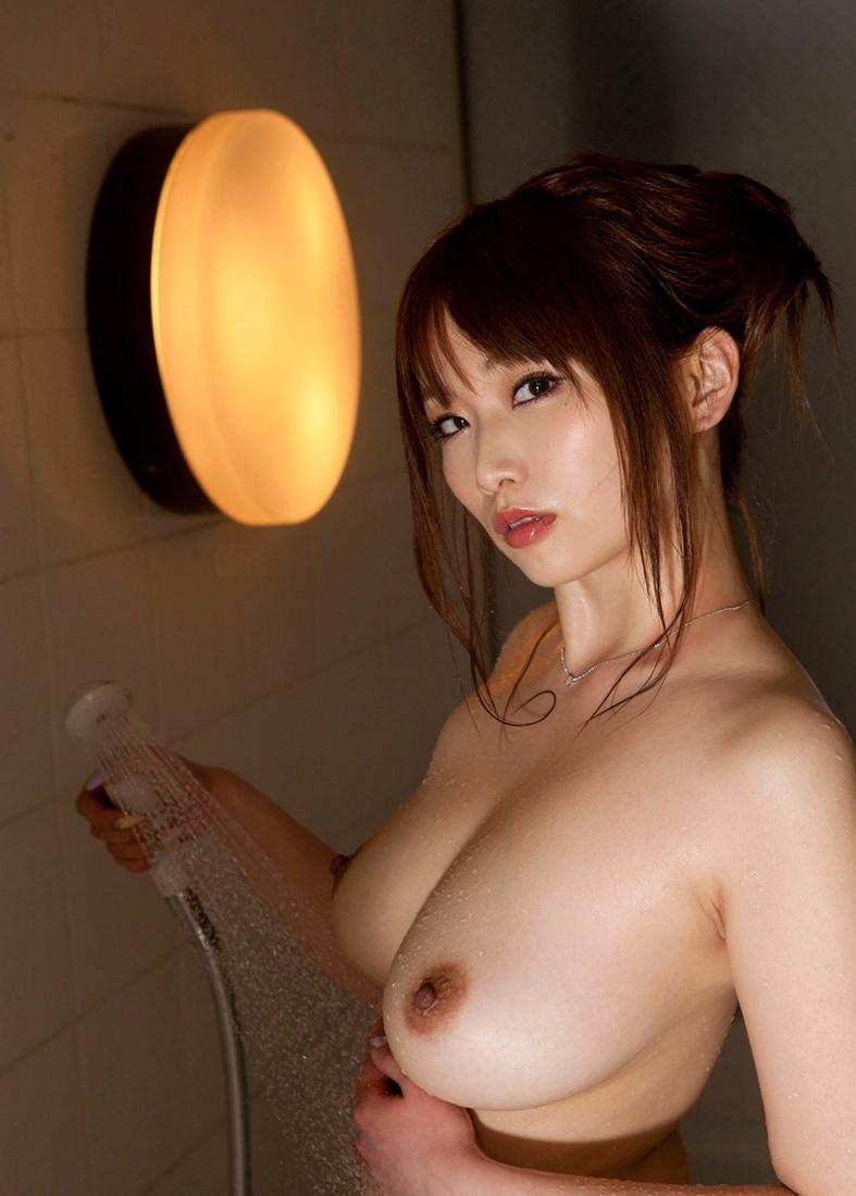 【シャワーエロ画像】女の子が日常で全裸になる瞬間!シャワーシーン! 78