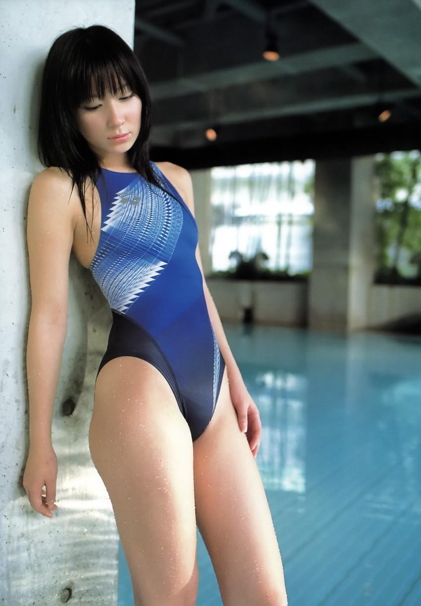 【競泳水着エロ画像】競泳水着って実はエロい!?これが競泳用かよッ! 72
